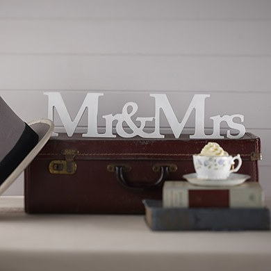 Vintage Affair   Mr & Mrs Wooden Sign