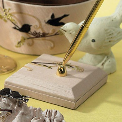 love bird wedding reception pen
