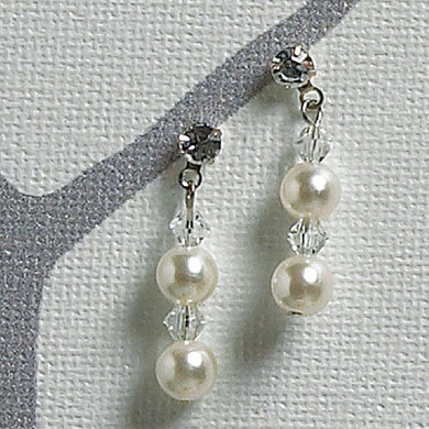 Pearl and Crystal Wedding Jewelry Set